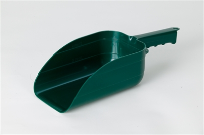 GREEN PLASTIC SCOOP